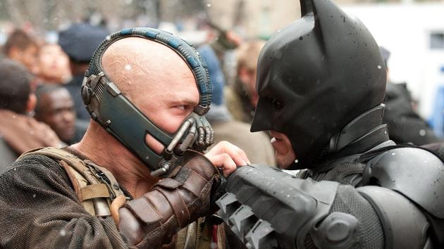 Bane tem caparro para o Batman!